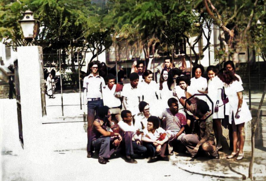 cd07e27de99 O outro lado do Eu  Memórias do Liceu Adriano Moreira na Praia